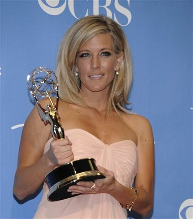 Laura Wright accepting Emmy